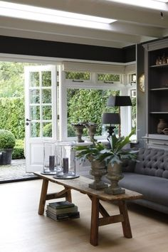 🌟Tante S!fr@ loves this📌🌟Binnenkomen bij Johan & Angélique - Woonstijl Interior Exterior, Home Interior, Interior Decorating, Interior Design, Living Area, Living Room Decor, Living Room Arrangements, Living Styles, Home Fashion