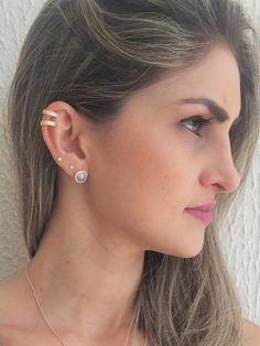 Ear Jewelry, Body Jewelry, Jewelry Accessories, Jewelry Necklaces, Piercings Bonitos, Cool Ear Piercings, Diamond Earrings, Stud Earrings, Bling
