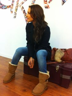 ugg boots outfit winter - ugg boots _ ugg boots outfit _ ugg boots outfit winter _ ugg boots outfit black girl _ ugg boots outfit chestnut _ ugg boots outfit black _ ugg boots with bows _ ugg boots outlets Ugg Boots Outfit, Winter Boots Outfits, Ugg Winter Boots, Casual Winter Outfits, Winter Wear, Outfit Winter, Mom Outfits, Cute Outfits, Jean Jacket Outfits