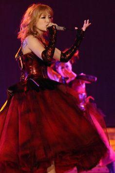 Arena Tour 2010 Rock n´ Roll Circus - Countdown, Memorial Adress performance.  Love the dress!!!!!!