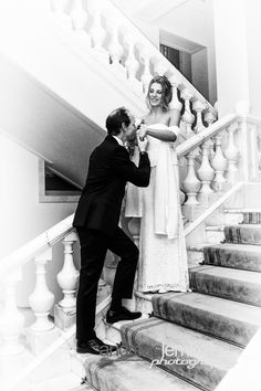 Vintage Style .. meeting on the stairs .. www.hochzeitsfotografie-berlin.org #hochzeitsfotograf #hochzeitsfotografberlin #weddingphotographer #weddingphotographerberlin #hochzeitsfotografie #hochzeitsfotografieberlin #weddingphotography #weddingphotographyberlin #wedding #hochzeit #handkuss #gentle #gentleman #weddingcouple #weddingpics #weddingpic #weddingphoto #hochzeitsfoto #instawedding #weddinginspiration