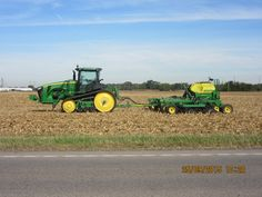 John Deere 8360RT 8RT  hooked to 1990 air seeder Near JD equipment