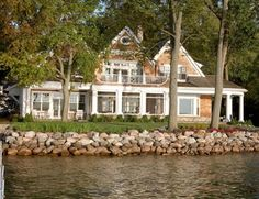 Lakefront home, beautiful