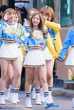 宇宙少女「Music Bank」出勤ファッション