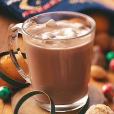 Butterscotch Hot Cocoa Recipe- Recipes Most people are used to adding mint flavoring to their hot cocoa. But my family favors this version, which calls for brown sugar and butterscotch ice cream topping. Taste of Home Online Community Mexican Hot Chocolate, Homemade Hot Chocolate, Hot Chocolate Mix, Hot Chocolate Recipes, Hot Cocoa Recipe, Cocoa Recipes, Scotch, Cocoa Drink, Christmas Hot Chocolate