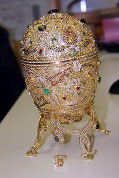 PHOTOS. Un œuf de Fabergé perdu il y a 90 ans retrouvé dans un marché aux puces américains