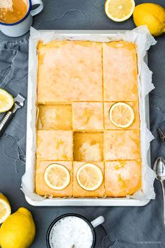 Rezept: Zitronenschnitten, saftiger Blechkuchen, süße Schnittchen | #Zitronenkuchen #Zitronenschnitten #einfach #Blech #Blechkuchen #saftig #fluffig #Rezept