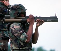 vietnam war soldier flame thrower   Picture of the M72 LAW (Light Anti-armor Weapon) Disposable Anti-Tank ...