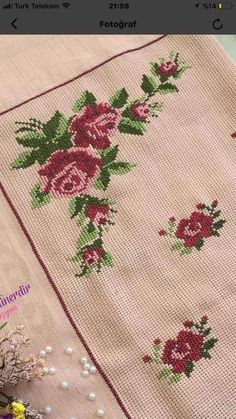 Hobbies And Crafts, Diy And Crafts, Cross Stitch Borders, Crewel Embroidery, Baby Knitting Patterns, Blouse Designs, Floral, Cross Stitch Love, Cross Stitch Rose