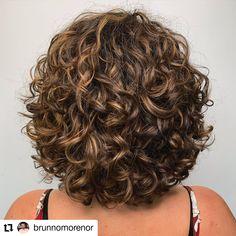 gray hairstyles over 50 haircut kent hair 90210 hair. gray hairstyles over 50 haircut kent hair 90210 hairstyles with shaved sides with curly hairstyles Shaved Side Hairstyles, Quiff Hairstyles, Hairstyles Over 50, Haircuts For Curly Hair, 1950s Hairstyles, Curly Hair Shaved Side, Bobs For Curly Hair, Color For Curly Hair, Curly Hair Girls