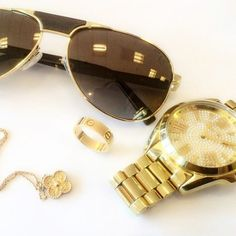Realize what you want. It stops you from chasing butterflies and puts you to work digging gold! Work hard enjoy life.  #goldandwood #eyewear #gold #wood #classy #fun #elegant #sunprotection #spf365 #luxury 20/20 Magazine Gold & Wood