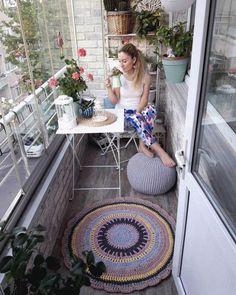 Small Balcony Design, Small Balcony Garden, Small Balcony Decor, Balcony Ideas, Balcony Grill, Apartment Balcony Decorating, Apartment Balconies, Style At Home, Tub Enclosures