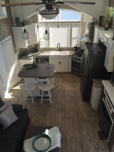 49 Cool Tiny House Design Ideas To Inspire You Design Interior Small House Tiny House Kitchen, Home, Home Kitchens, Tiny Spaces, House Design, Kitchen Layout, Small Room Design, Little Houses, House Interior