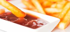 Ketchup manufacturers love to add a touch of sweetness into their condiment concoctions; in fact, heinz tomato ketchup forces in four grams of Ketchup, Oatmeal Smoothies, Weird Food, Healthy Living Magazine, Big Meals, Food Cravings, Diet And Nutrition, Food Videos, Healthy Recipes