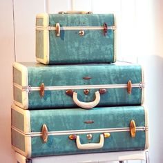 Our family luggage.....Vintage 1950s Bermuda Green Samsonite suitcases - train case - overnighter - turquoise, teal, cream