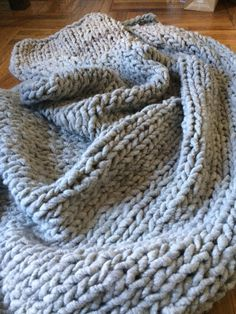 100% Alpaca super chunky knit blanket by saypience on Etsy
