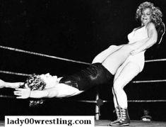 www.lady00wrestling.com 50s Vintage Women Wrestling Photos and DVDs