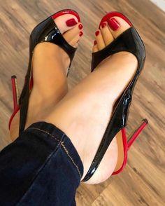 Hot High Heels, Sexy Heels, Stiletto Heels, Feet Soles, Women's Feet, Gorgeous Feet, Beautiful Legs, Beautiful Women, Pedicure