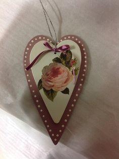 Decoupage σε ξύλινη καρδιά