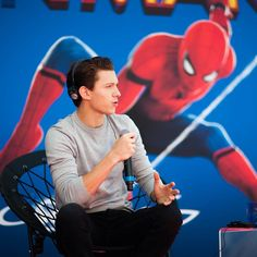 6545dfbf16cdc7  tomholland2013 A beautiful Tom here in Rome. - - -  tomholland  hollanders
