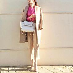 .  天気の良い日には明るい色を取り入れてポカポカ陽気に映えるピンクのニットにベージュのコートとパンツを合わせた大人シンプルスタイル  Photo by @mica_taniguchi   Top... #ronherman  Bottom... #styledeli  Bag... #celine  Shoes... mhm  Outer... #enfold   MINE公式アプリではファッションを中心とした動画を毎日更新中 プロフィールリンクからDLできます   ハッシュタグ#mineby3mootdを付けたコーディネートを募集中紹介させていただくことも  #mineby3mootd #MINEBY3M #ootd #outfit #fashion #coordinate  #instafashion #beaustagrammer #fashionista #outfit #igfashion #カジュアルコーデ #コーディネート探検隊 #お洒落さんと繋がりたい