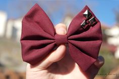 i need to make this marroon studded bow