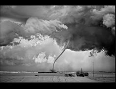 Extraordinary Storms Captured in Black and White | Photos - ABC News
