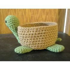 Crochet Bowl, Crochet Cactus, Crochet Basket Pattern, Cute Crochet, Crochet Yarn, Crochet Stitches, Crochet Hooks, Crochet Turtle Pattern Free, Love Knitting