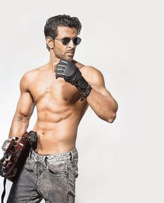 Hrithik Roshan Poses for Dabboo Ratnani Calendar 2017 Bollywood Stars, Bollywood Celebrities, Bollywood Actress, Hrithik Roshan Hairstyle, Indian Man, Hommes Sexy, Muscular Men, Good Looking Men, Perfect Man