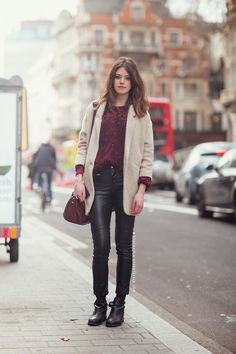 http://carolinesmode.com/stockholmstreetstyle/art/313605/25_great_leather_looks_you_mus/?pic=15