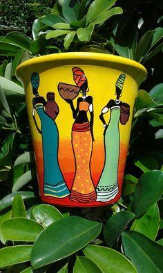 Macetas Pintadas De Negritas Africanas 17 Cm - $ 290,00 en Mercado Libre Diy Wall Painting, Bottle Painting, Diy Wall Art, Painted Plant Pots, Painted Flower Pots, Pottery Painting Designs, Pottery Designs, Ceramic Pinch Pots, Flower Pot Art