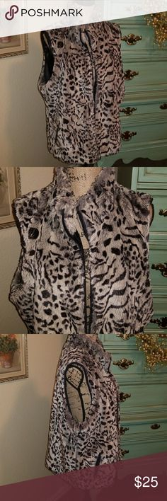 Weekend sale 🌺Coldwater Creek Animal Print Vest Price firm. Darling Faux Fur Vest that is in EUC. Just so soft and cozy. Has zipper and 2 pockets in front. Barely worn. Lined...True to size Coldwater Creek Jackets & Coats Vests