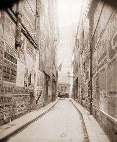 les murs ont la parole Eugene Atget Tour Eiffel, Albert Kahn, Musee Carnavalet, Eugene Atget, Berenice Abbott, Robert Doisneau, Documentary Photography, Belle Epoque, France
