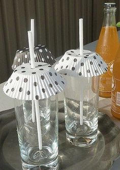 Keeping the flies out of the summer drinks with paper muffin liners