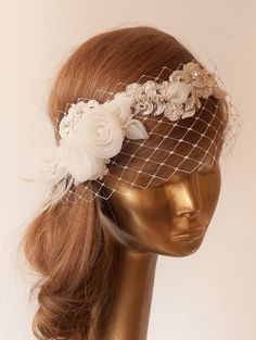 WEDDING BRIDAL Ivory Lace BIRDCAGE VEIL Vintage Style Birdcage by ancoraboutique, $140.00                                                                                                                                                                                 Más