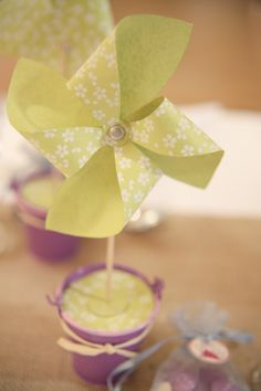 Wedding table deco - paper mills Laura Delune Photography
