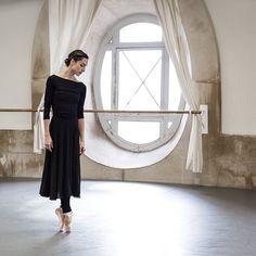 美しい姿勢や身体をつくるためにバレエの所作を意識してみよう