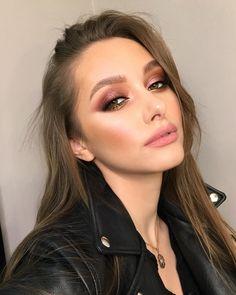 Trendy Ideas For Makeup Lips Tutorial Kylie Jenner Make Up – www.womentrends… Trendy Ideas For Makeup Lips Tutorial Kylie Jenner Make Up – www. Glam Makeup, Bridal Makeup, Wedding Makeup, Eye Makeup, Hair Makeup, Dress Makeup, Classy Makeup, Makeup Light, Makeup Style