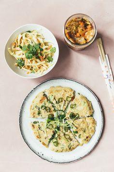 4 opskrifter: Pandekager med kimchi, morgen-greenie, sweet potato curry & sunde barer