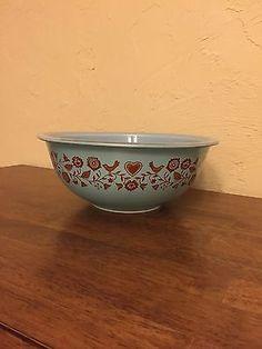 Vintage-Pyrex-Bowl