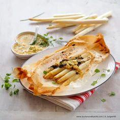 Spargel Rezepte Dip, Spanakopita, Meal Planning, Ethnic Recipes, Food, Vegetarian Grilling, Grilled Asparagus, Best Asparagus Recipe, Recipes With Eggs