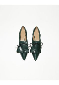 Marc Jacobs Pointy Toe Tassel Oxford