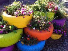 Gartendekoration Selber Machen Bunte Autoreifen Als Blumentöpfe ... Dekoration Mit Autoreifen