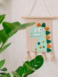 Baby Wall Decor, Crochet Dragon, Crochet Home Decor, Unique Crochet, Art Mural, Crochet Fashion, Stuffed Toys Patterns, Crochet Baby, Crochet Projects