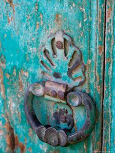 Village Door, Turkey Lámina fotográfica por Joe Restuccia III en AllPosters.es