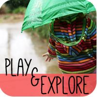 Ways to Play Monthly Downloads  Gives suggestions on things to do with the kids - really cute ideas