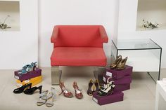 If you're shopping for large size women's shoes, here is a list of online shoe stores and resources that can help. Huge selections of large size women's shoes, including extra narrow or extra wide shoes in larger sizes.