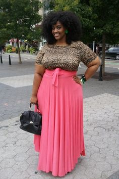 As an apple shaped plus-size, I've always have been afraid of using maxi skirts, but after seeing this beauty i'm looking forward to buying one!