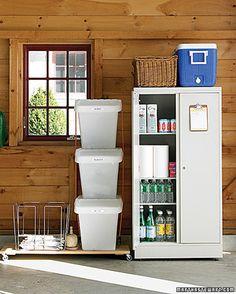 Recycle Bins, garage orginization