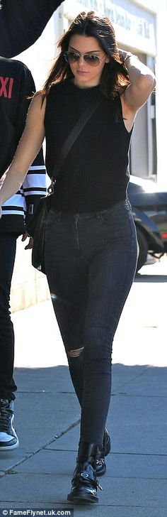 Kendall Jenner dons skinny jeans during casual day out with pals #dailymail